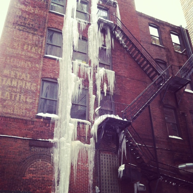Boston_winter_2015_icicles